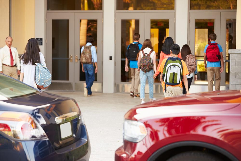 Laut Statistik wird jedes dritte Kind von den Eltern zur Schule gebracht.