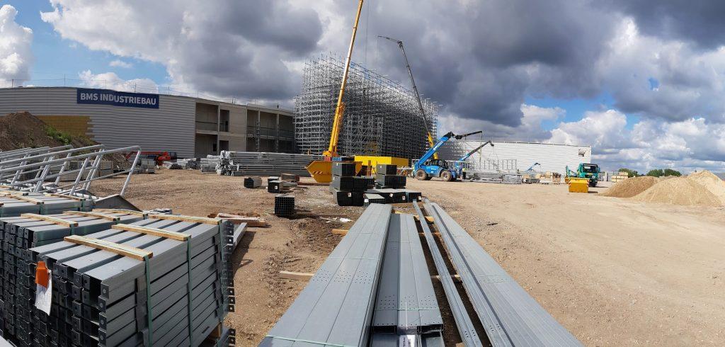 Das Hochregallager ist das Herzstück des künftigen Logistikzentrums.