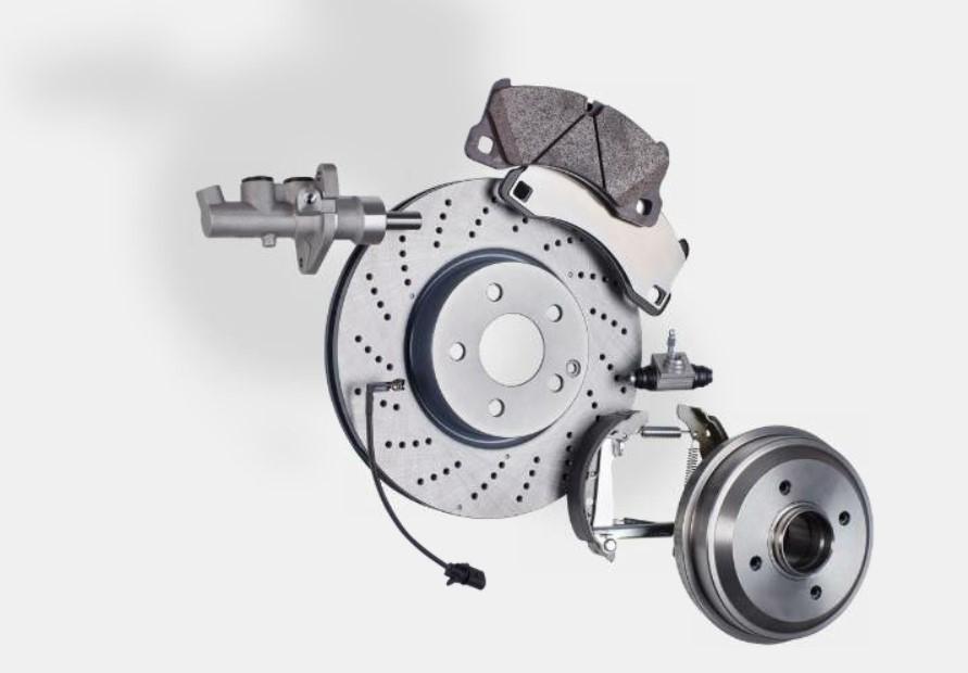 Kočioni sistem uključuje brojne komponente koji mogu biti uzrok buke