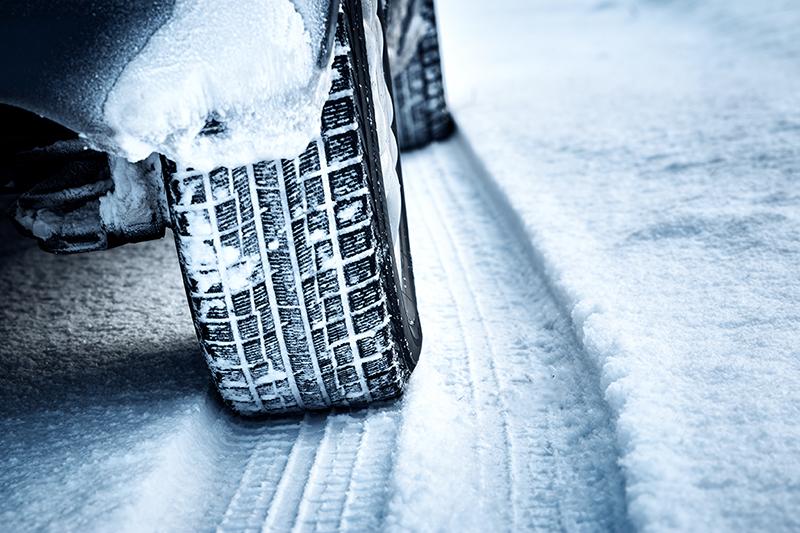 Bezbedna vožnja po snegu i ledu